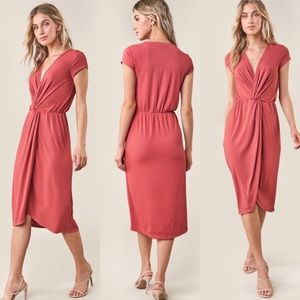 NWT 🤩 Twist Front Midi Dress